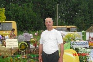 Даниличев Валерий Арсентьевич на празднике в Салыни.