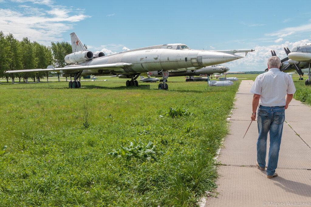 На стоянке самолетов музея