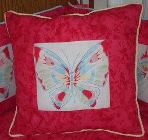 Бабочки и цветы в интерьере