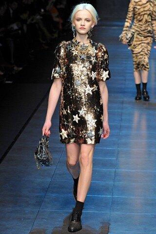 Dolce & Gabbana представили на Неделе моды в Милане 80 образов из...