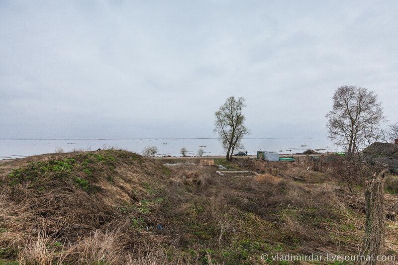 Озеро Неро со стороны Ростовского кремля