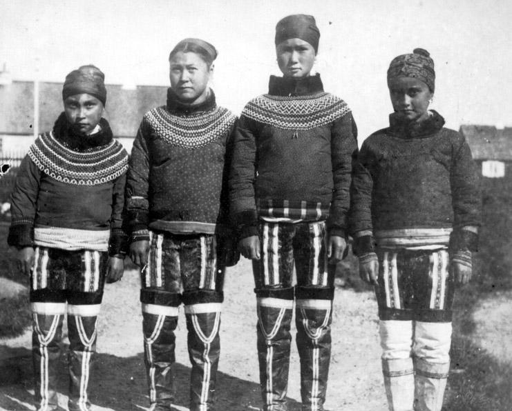 Giovani_donne_inuit.jpg
