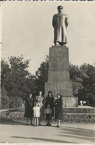 Где в вашем городе стоял памятник Сталину