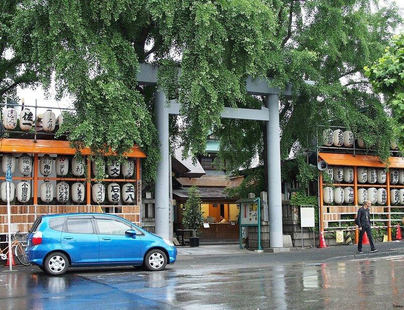 Храм Намиёкэ на территории рынка Цукидзи
