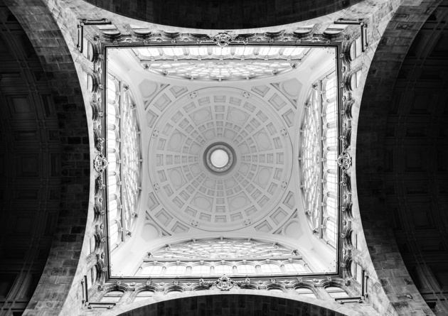 Геометрия в оттенках серого… Фотограф Андра Роман (Andra Roman) (14 фото)
