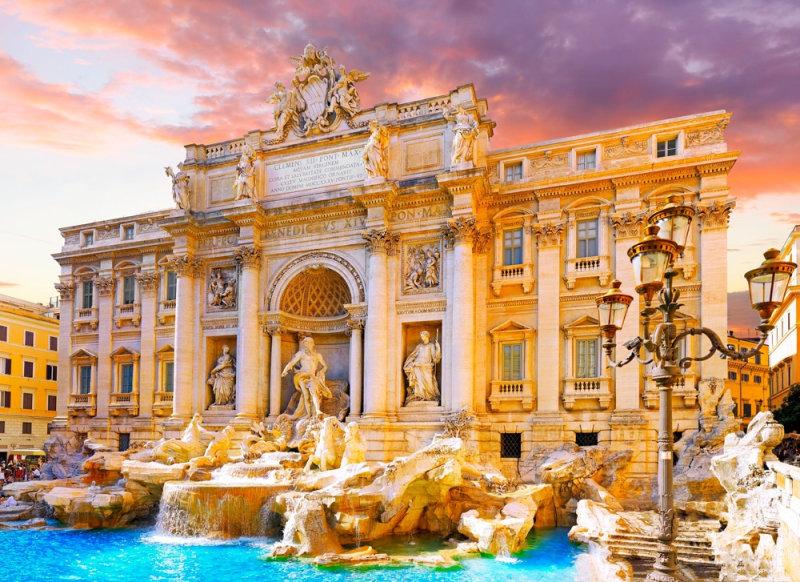 Истинной жемчужиной среди сотен источников в Риме принято считать фонтан ди Треви. Строительств