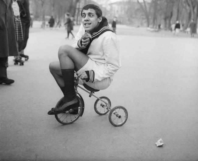 Адриано Челентано навелосипедике, 1955г. Превью: Corbisimages