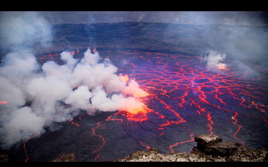 Уникальные снимки извержения вулкана Ньирагонго, сделанные дроном (10 фото)