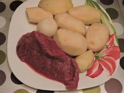 Биточки под сметаной (или маскируем мясо)