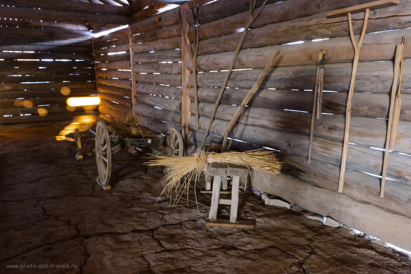 Фотография 3. Так выглядит гумно (помещения для молотьбы и для хранения сжатого хлеба) в музее Хохловка. 1/15, 9.0, 6400, 24.