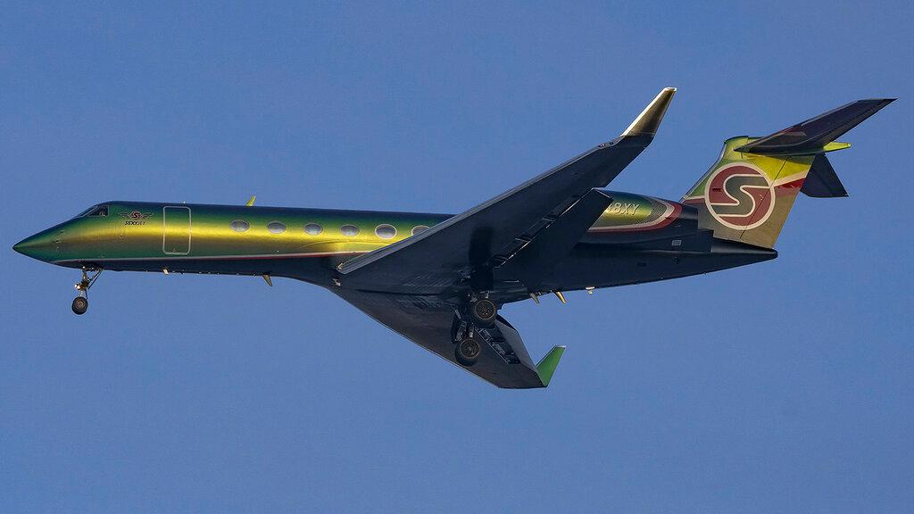 N888XY GLF5 Metropolitan Aviation VKO 2.jpg