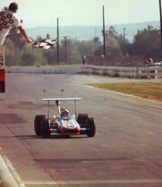 Winning Riverside 1969 in Eagle John Cannon Formula A F5000.jpg