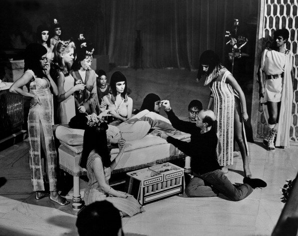 Lyz Taylor During The Filming Of Cleopatra Movie On 1963