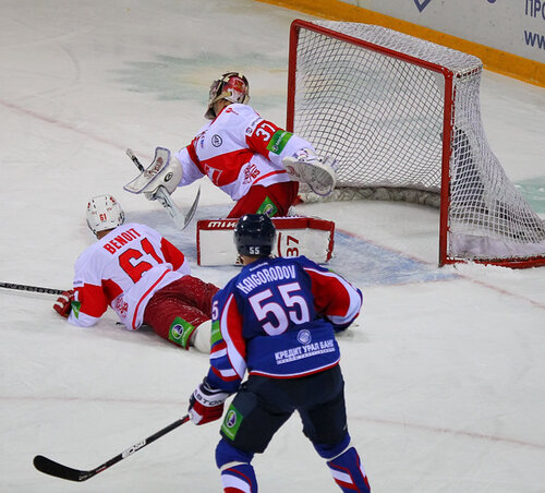 Металлург Мг - Спартак 4:2 26-09-2011