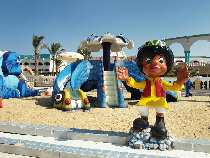 детские площадки в отеле:)