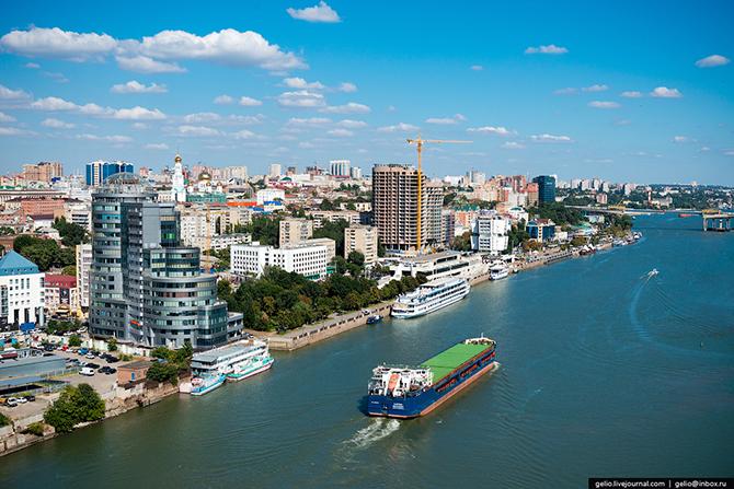 По Дону проходит географическая граница между Европой и Азией. Ростов имеет выход к пяти морям — Азо