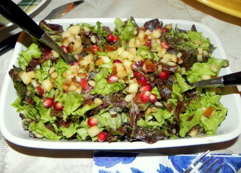 Зеленый салат. Вкусно, полезно, потому что сплошной ВИТАМИН!
