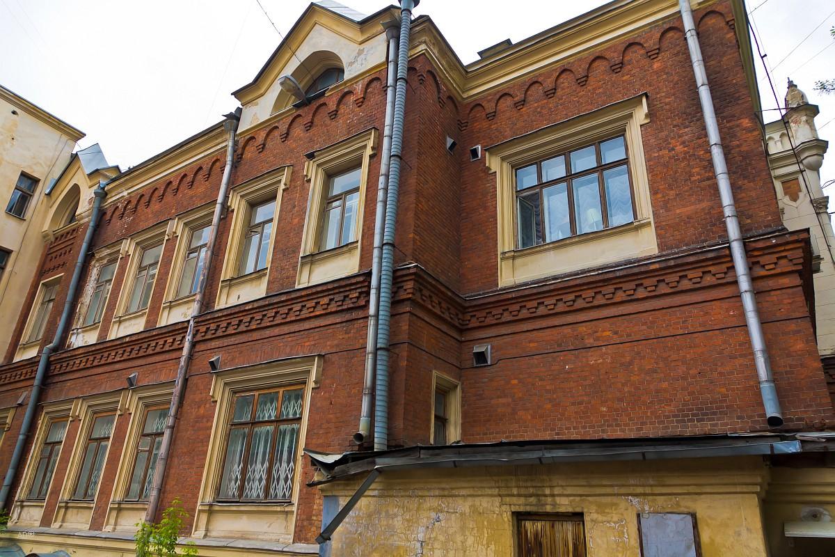 Главный дом городской усадьбы А. Л. Леман