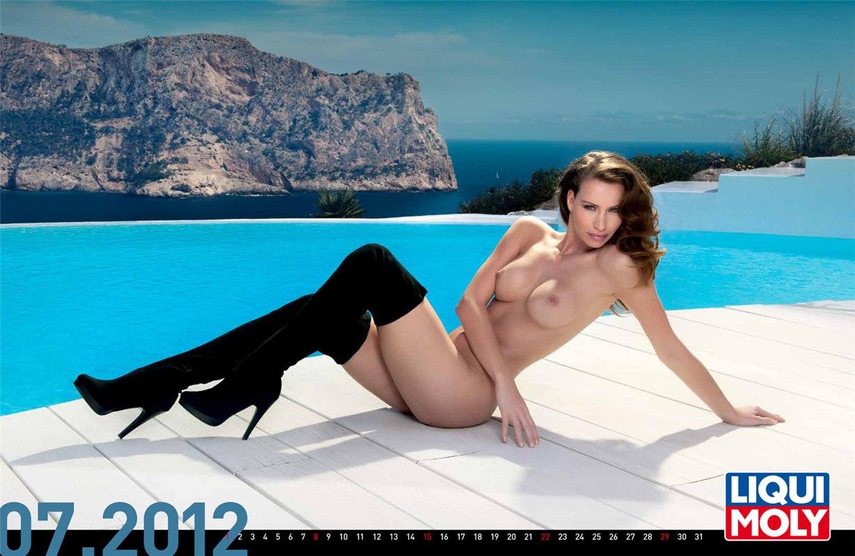 Liqui Moly - эротический календарь на 2012 год - июль