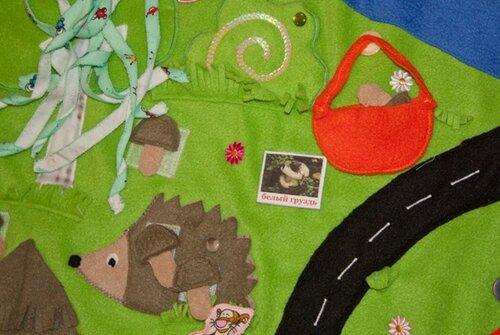 Детский развивающий коврик... лес, ежик, корзинка, дорога