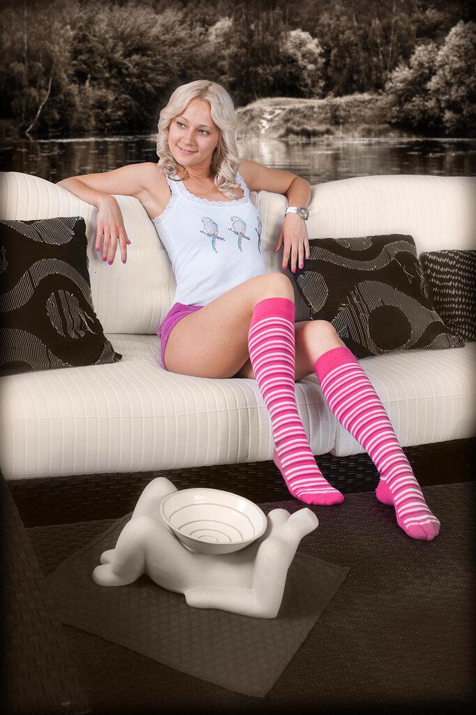 фото проститутки в белых гольфиках модели
