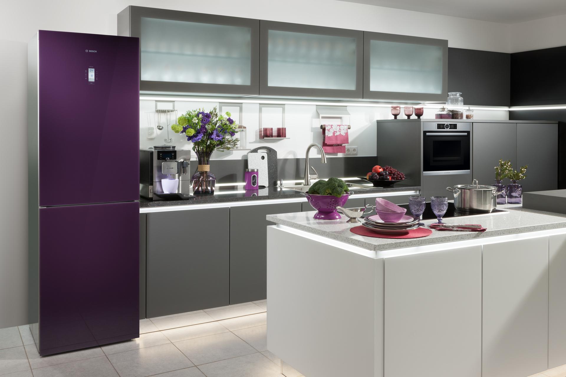 Фиолетовый холодильник Bosch из стекла - магазин холодильного оборудования в Краснодаре