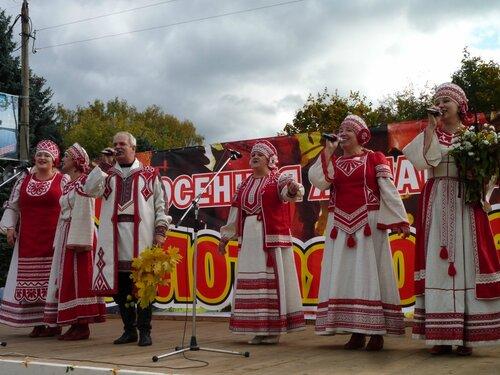 В Максатихе прошла ярмарка «Золотая осень — 2011»