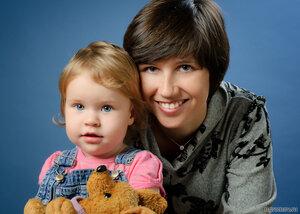 Портрет с дочерью (блондинка, брюнетка, ребенок)