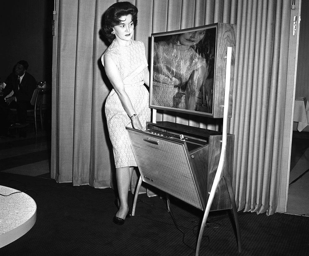 21 июня 1961 года  презентация записывающего устройства телевизионых программ в отсутствие хозяина
