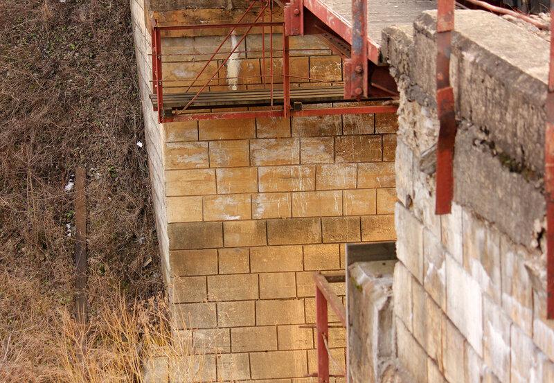 Опора моста с закосом под ретро