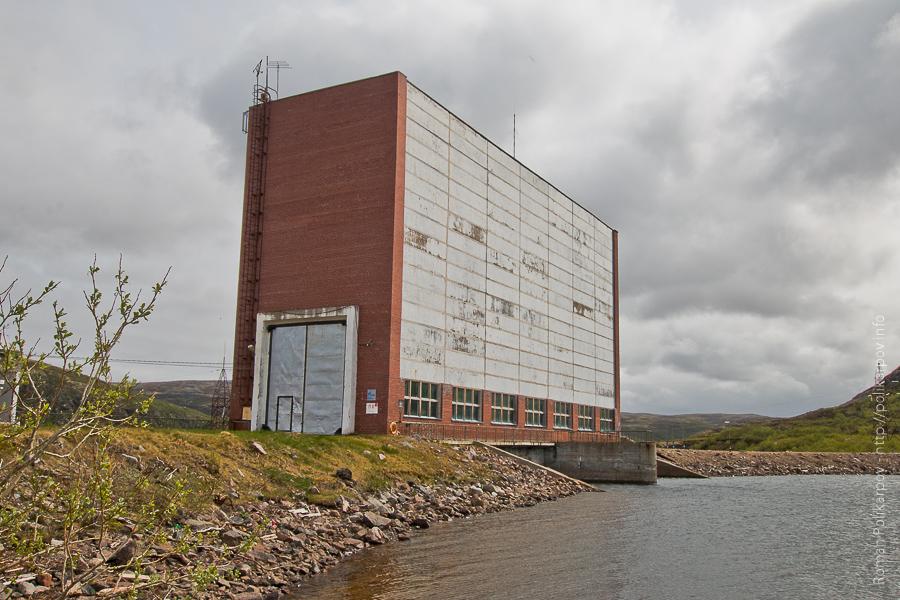0 ccb50 f78eef5e orig Прогулка по ГЭС в Териберке (Мурманская область)
