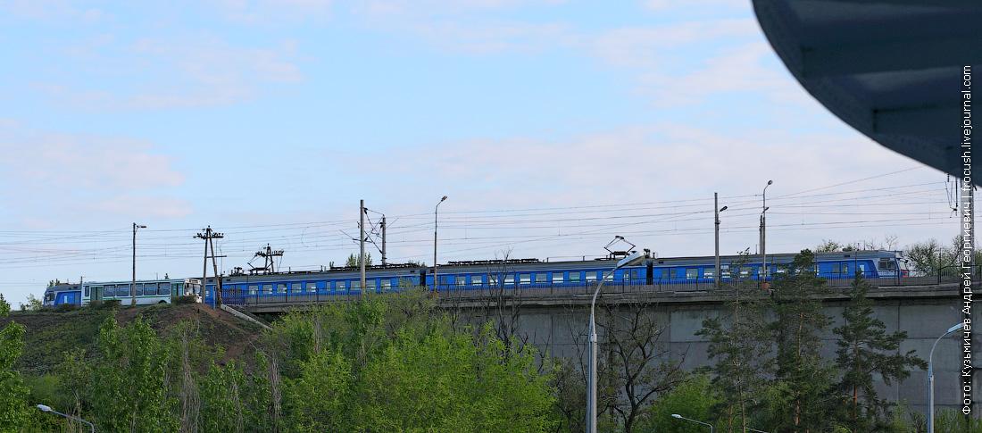 волгоградская электричка из четырех вагонов