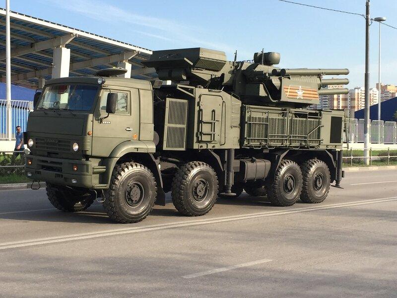 «Панцирь С1», самоходный зенитный ракетно-пушечный комплекс наземного базирования