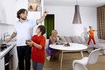 Семья с виртуальными девайсами и виртуальной тетей Соней из Одессы.