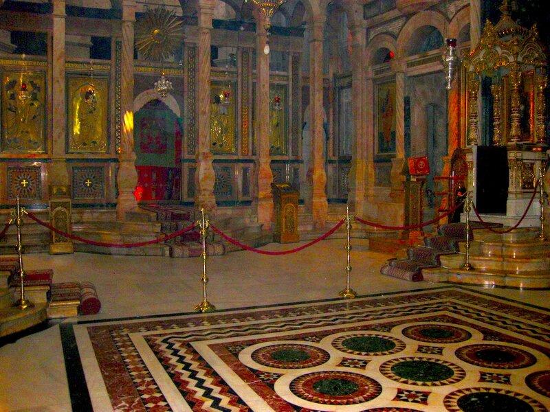 Зал и иконостас соборного Храма Воскресения Господня
