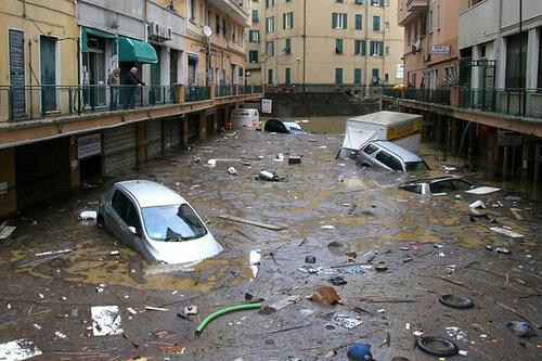 Go2life.net • Наводнение на севере Италии. Генуя под водой