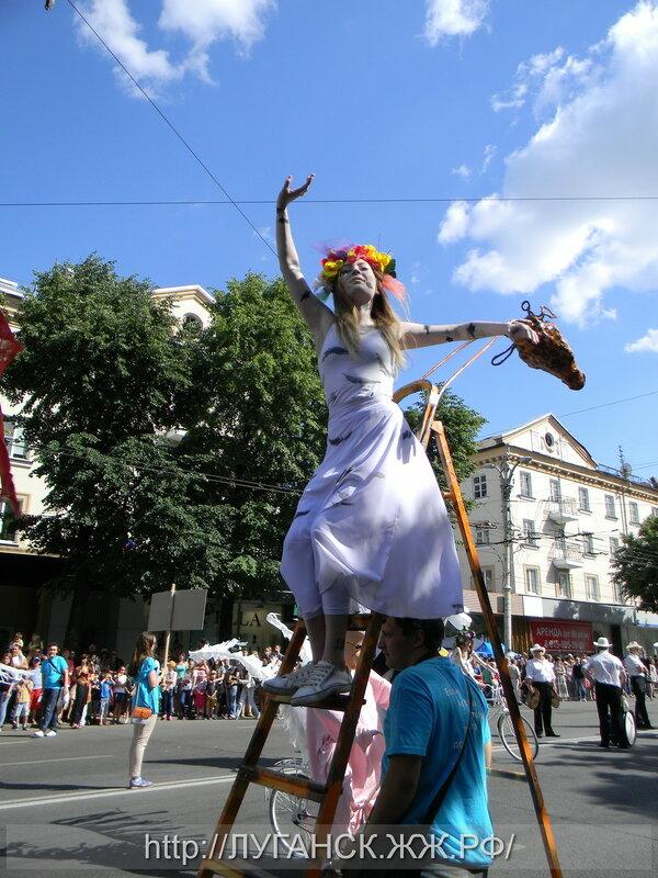 День России в Воронеже.Платоновфест обещает красочный парад.