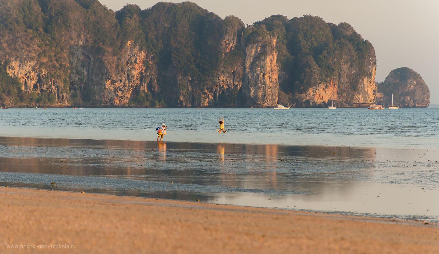 Фотография 14. На пляже Ао Нанг (Ao Nang Beach) в провинции Краби (Krabi) в Таиланде люди так счастливы, что готовы летать... Отдых в феврале