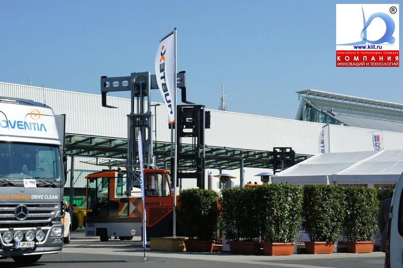 Стенд компании HUBTEX на выставке CEMAT 2011: утро скоро придут посетители