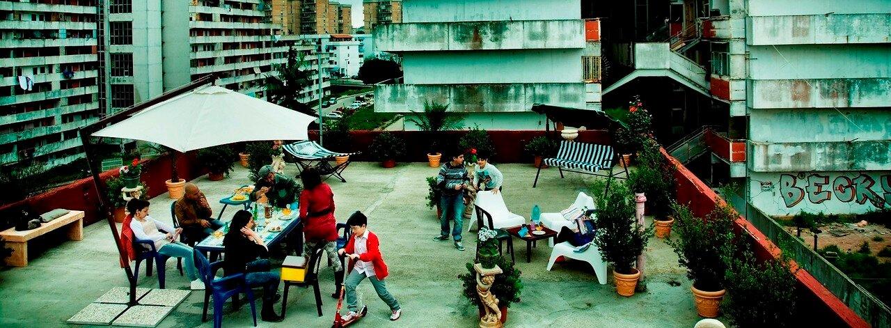 Мафиозный оазис в трущобах