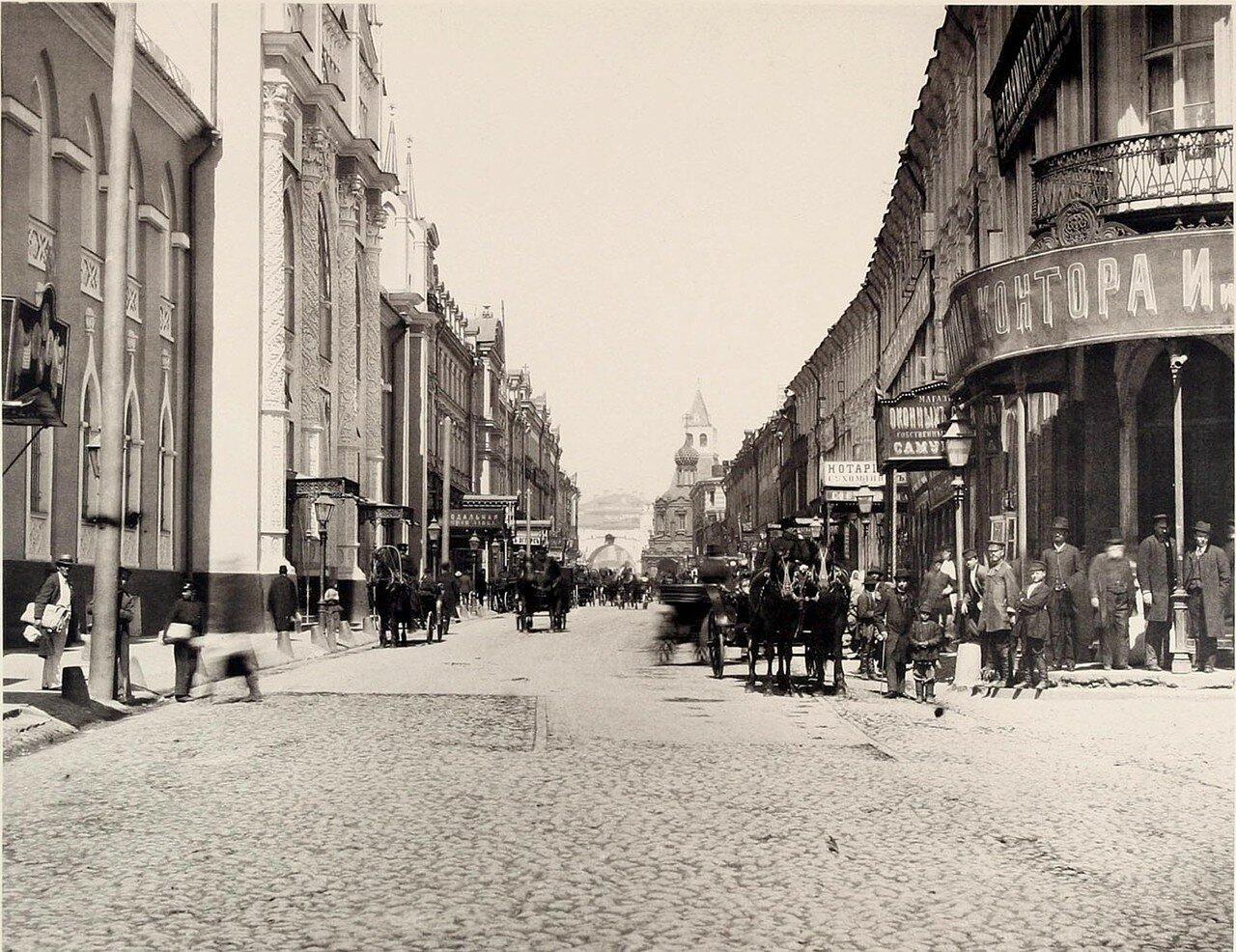336. Вид Никольской (от Богоявленского переулка к Владимирским воротам)