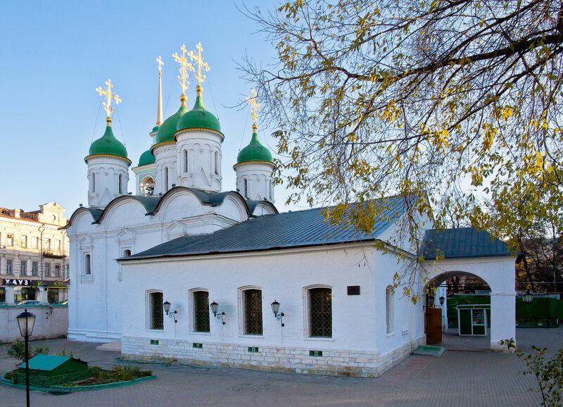 Церковь Живоначальной Троицы, что в Листах