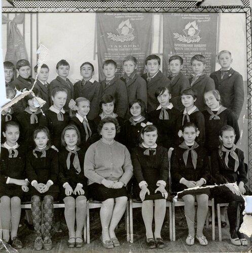 Первые выпускники нашей школы