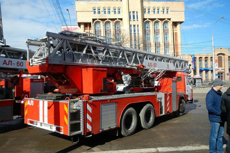 Автолестница пожарная АЛ-50 КамАЗ-53229 - автопробег пожарной спецтехники МЧС 25 апреля 2014 г.