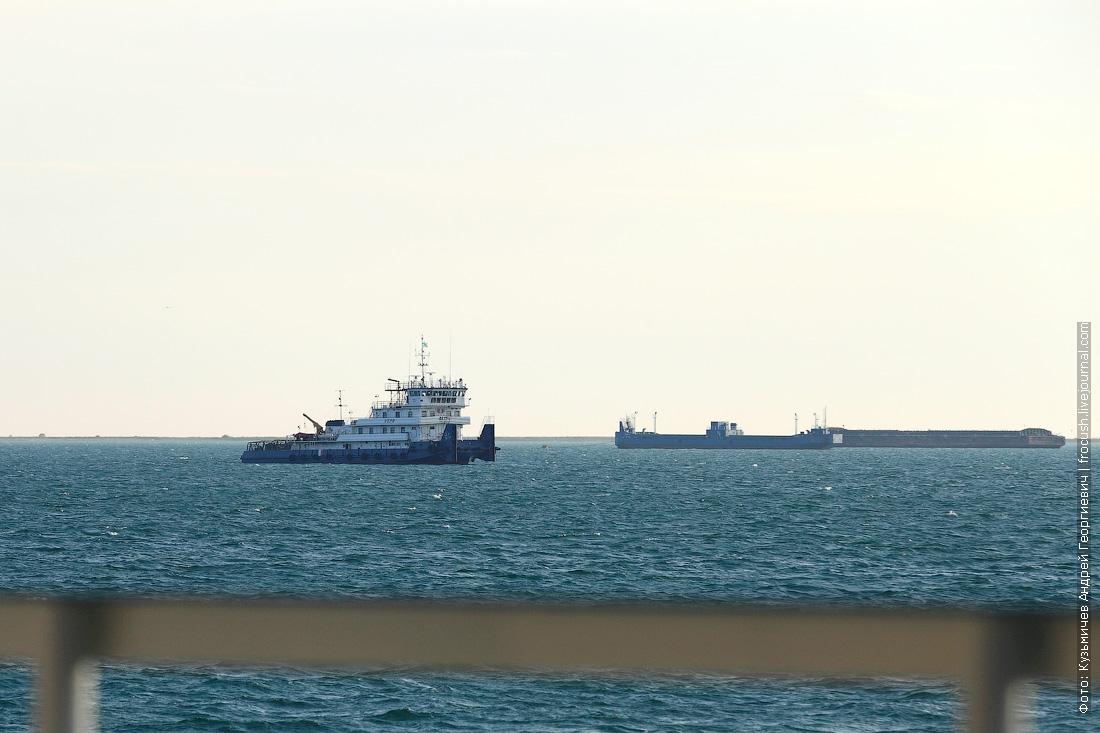 теплоход Русь Великая в Тюб-Караганском заливе