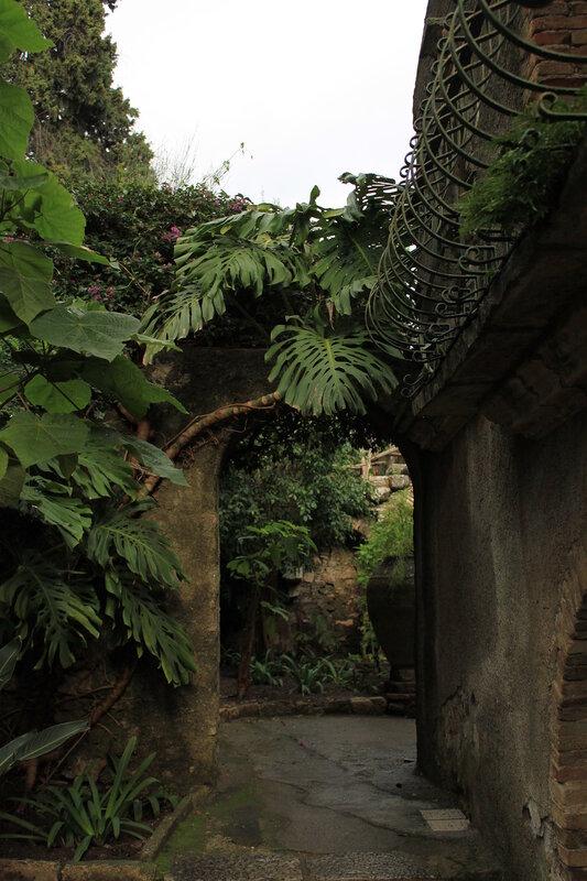 Городская вилла в общественном саду. Таормина