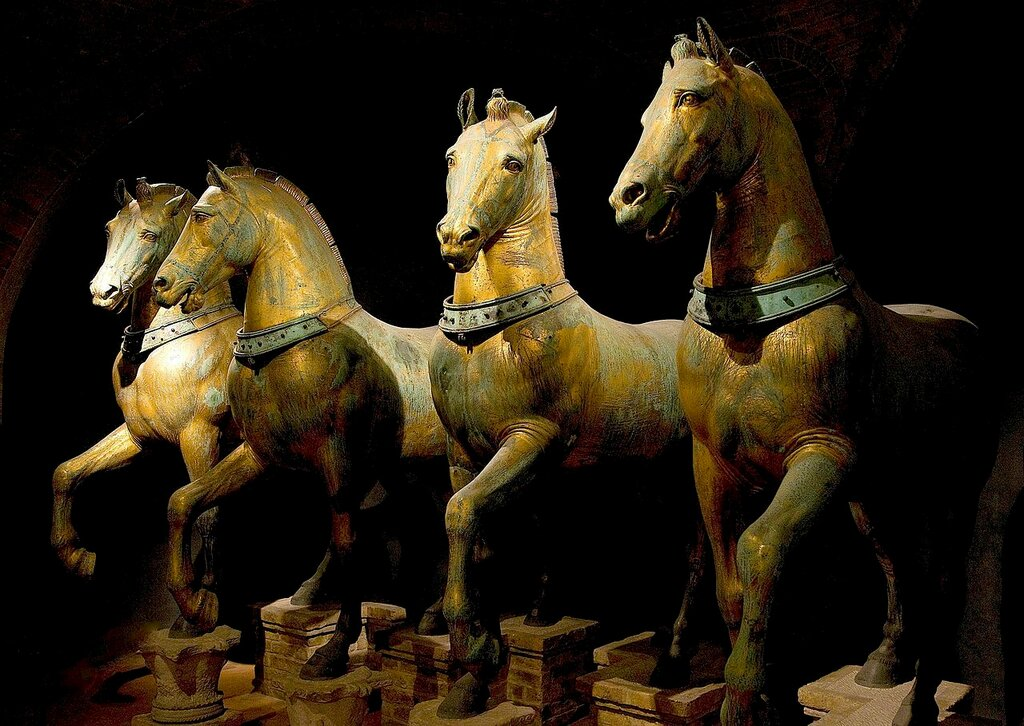1280px-Horses_of_Basilica_San_Marco_bright.jpg