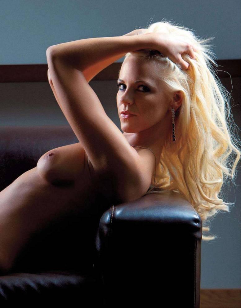 девушка месяца Катрин Саулиетис / Katrine Sauliete in Playboy Latvia november 2011 playmate