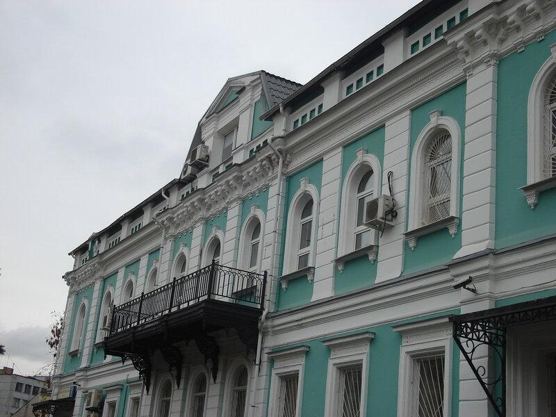 Главный дом городской усадьбы 2-ой половины XIX века, здание построено в 1864 году. <br />