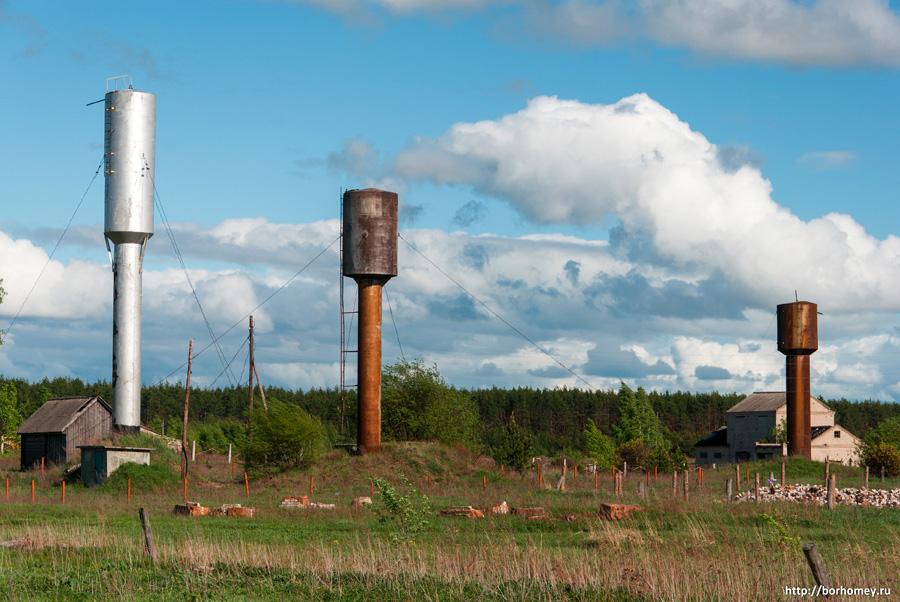 три водонапорные башни